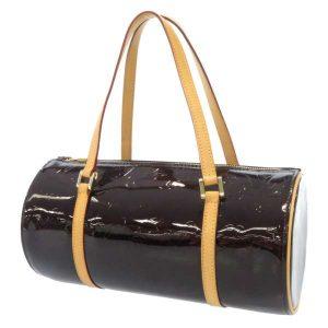 筒形バッグはフォルムが魅力